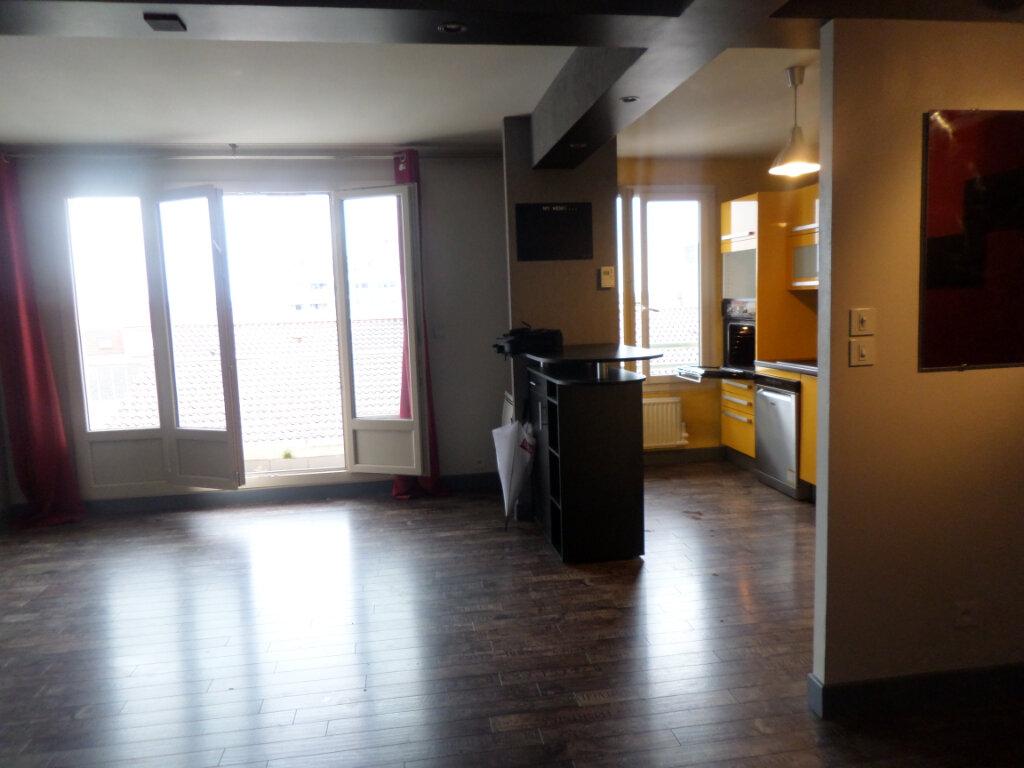 Appartement à louer 3 68.78m2 à Limoges vignette-4