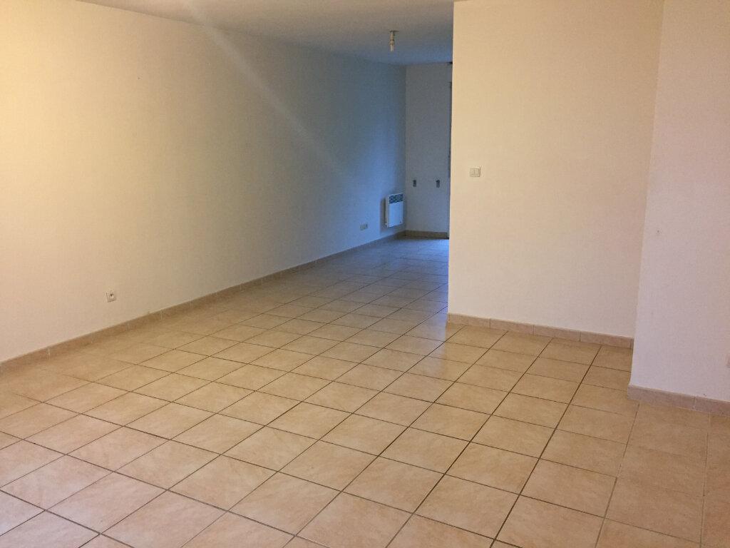 Appartement à louer 3 61.55m2 à Verneuil-sur-Vienne vignette-2
