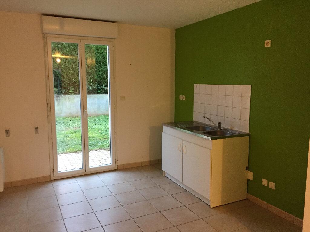 Appartement à louer 3 61.55m2 à Verneuil-sur-Vienne vignette-3