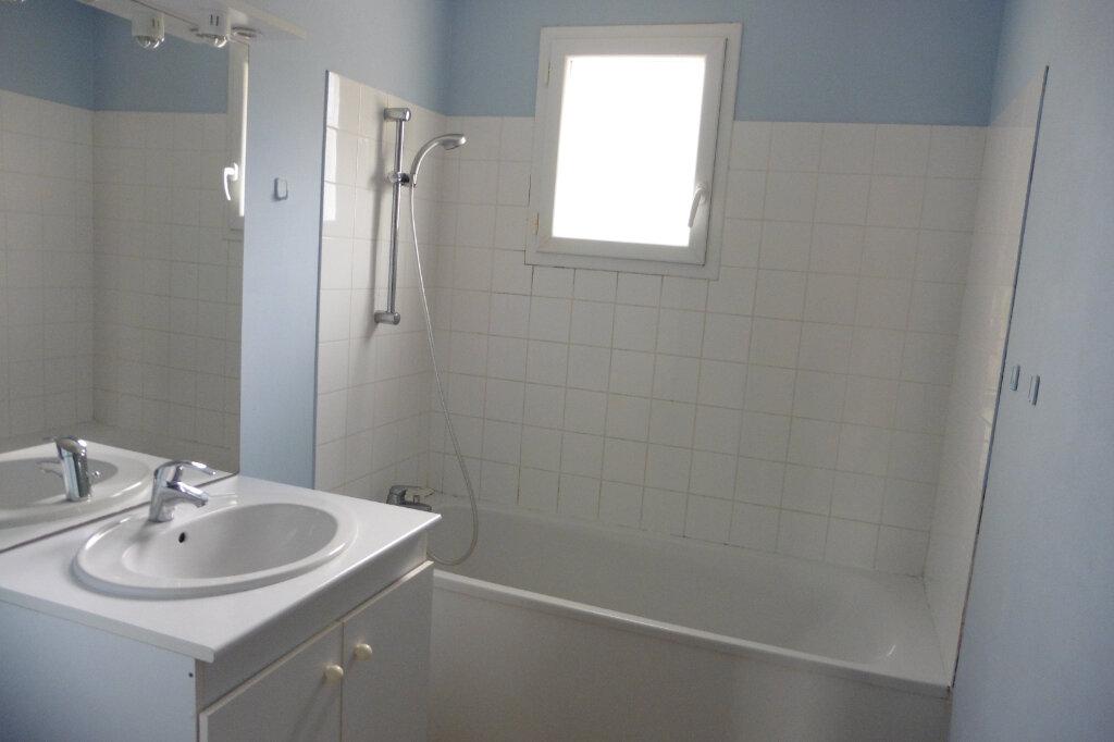 Appartement à louer 3 61.55m2 à Verneuil-sur-Vienne vignette-4