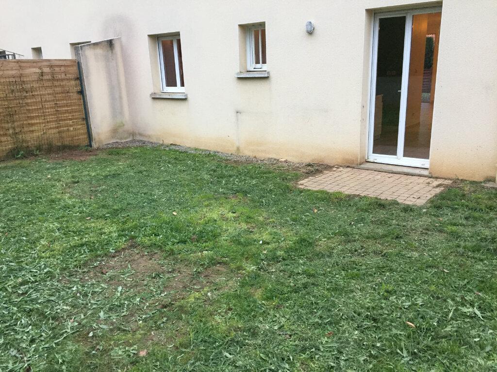 Appartement à louer 3 61.55m2 à Verneuil-sur-Vienne vignette-7