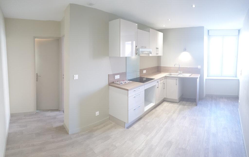 Appartement à louer 3 53m2 à Aixe-sur-Vienne vignette-1