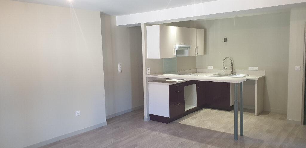 Appartement à louer 3 61m2 à Aixe-sur-Vienne vignette-1