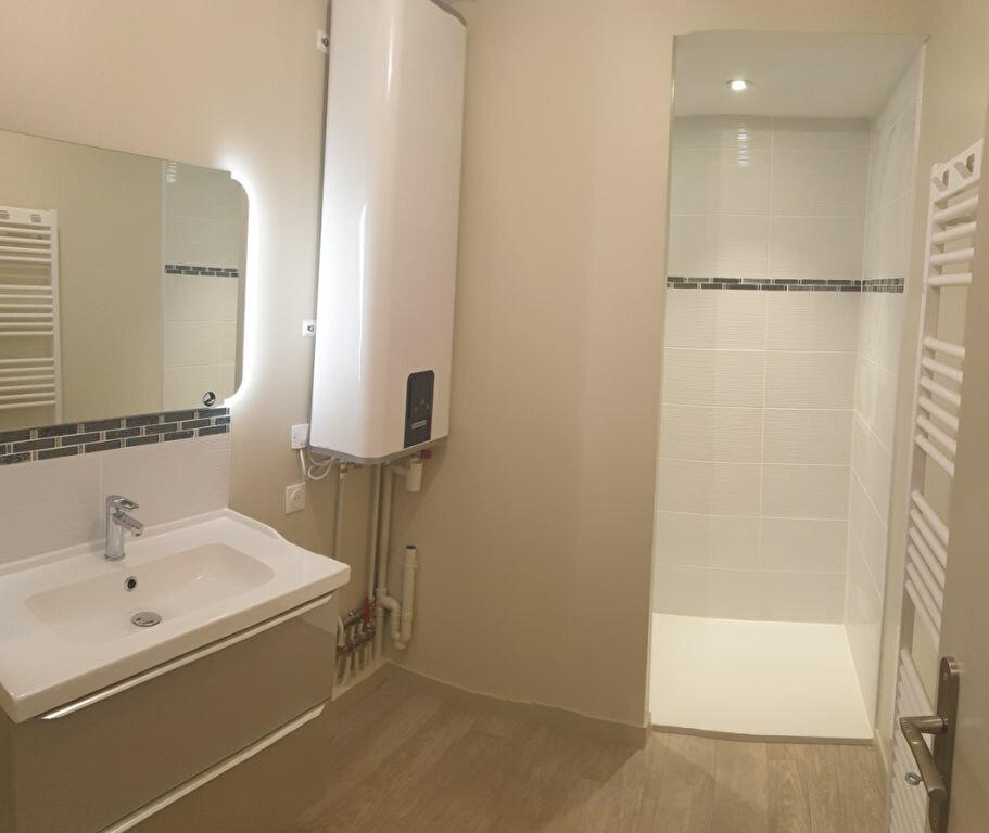 Appartement à louer 3 61m2 à Aixe-sur-Vienne vignette-7