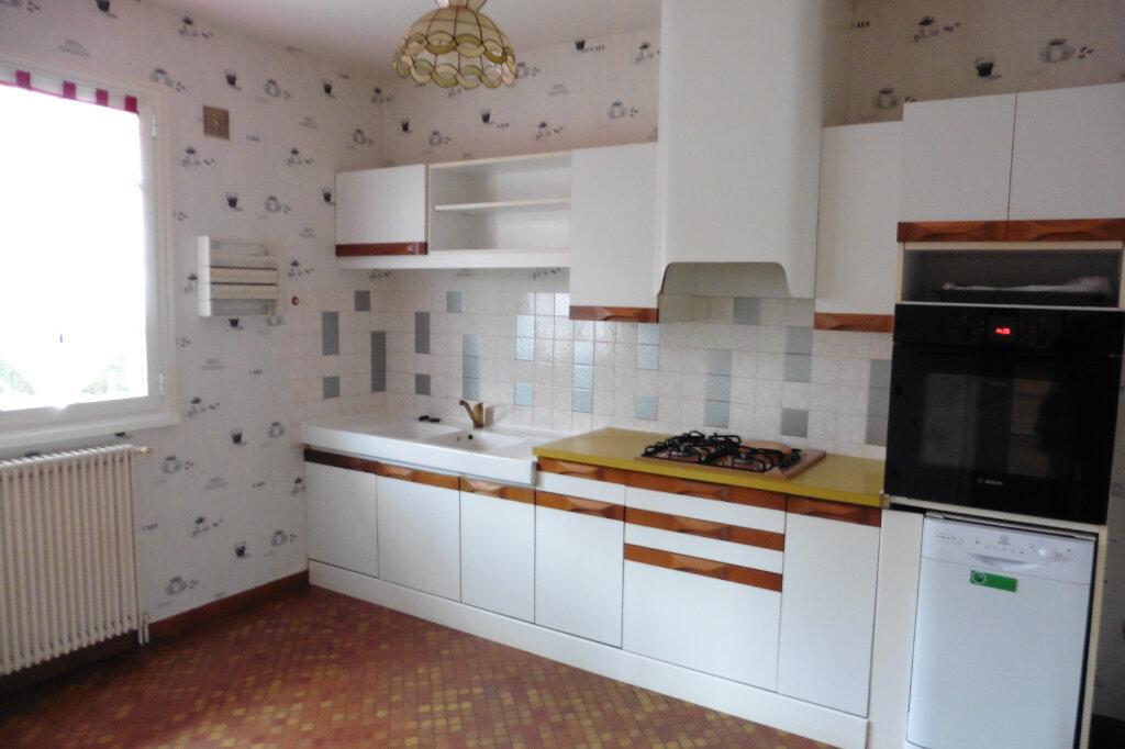 Maison à louer 4 90m2 à Bonnac-la-Côte vignette-4