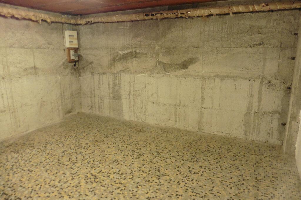 Maison à louer 4 90m2 à Bonnac-la-Côte vignette-9