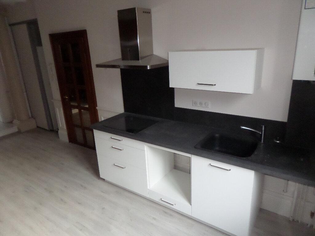 Appartement à louer 4 120m2 à Limoges vignette-4