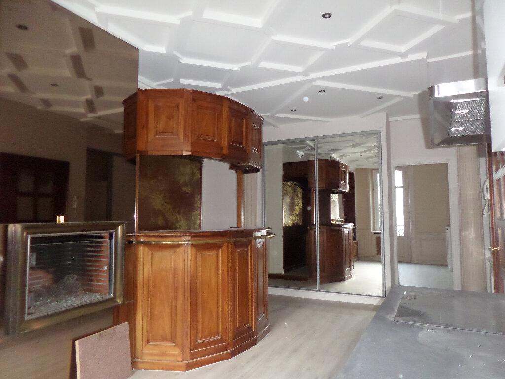 Appartement à louer 4 120m2 à Limoges vignette-5