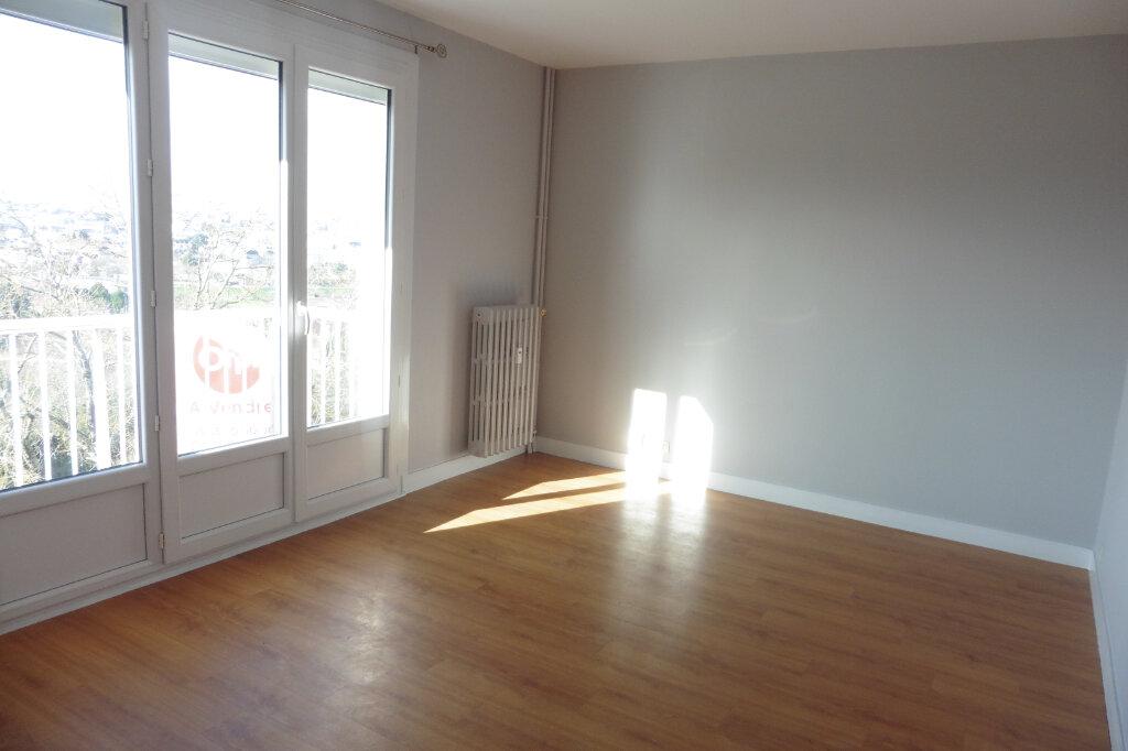 Appartement à louer 1 24.92m2 à Limoges vignette-2