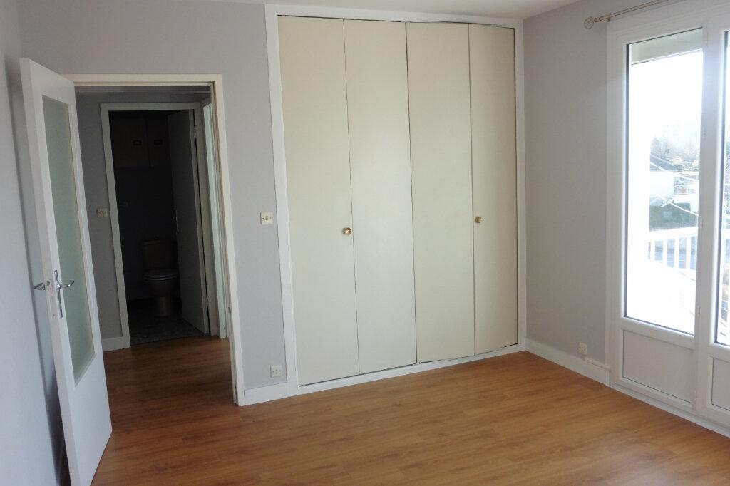 Appartement à louer 1 24.92m2 à Limoges vignette-3