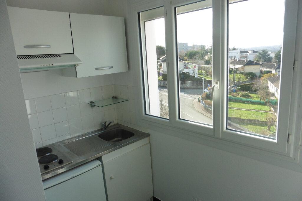 Appartement à louer 1 24.92m2 à Limoges vignette-4