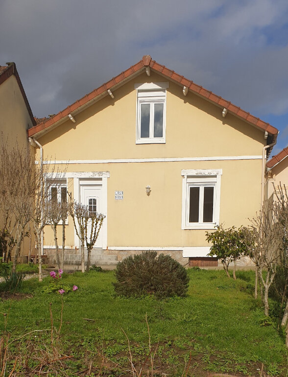 Maison à louer 3 60m2 à Limoges vignette-1