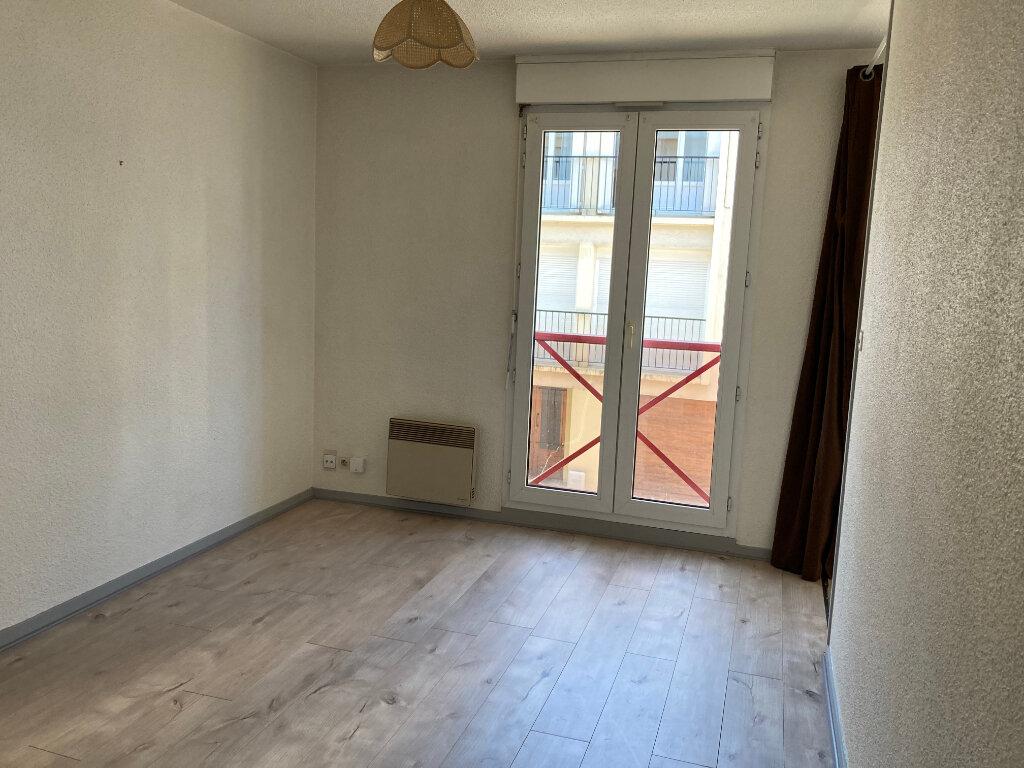 Appartement à louer 1 24m2 à Limoges vignette-1