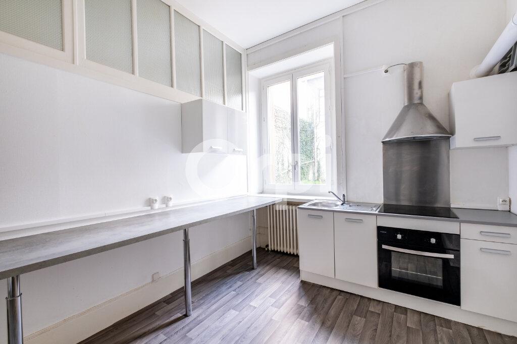 Appartement à louer 2 63m2 à Limoges vignette-4