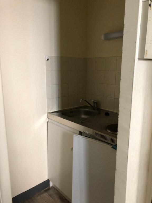 Appartement à louer 2 24.01m2 à Limoges vignette-4