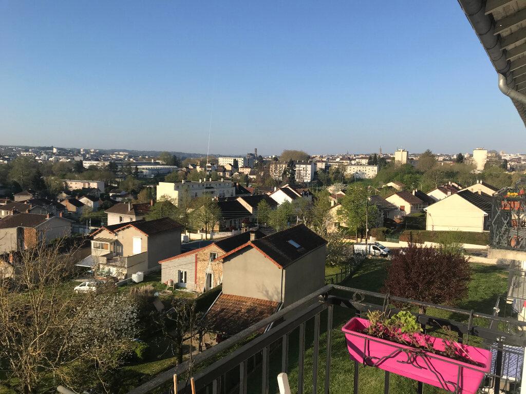 Appartement à louer 3 62.53m2 à Limoges vignette-7