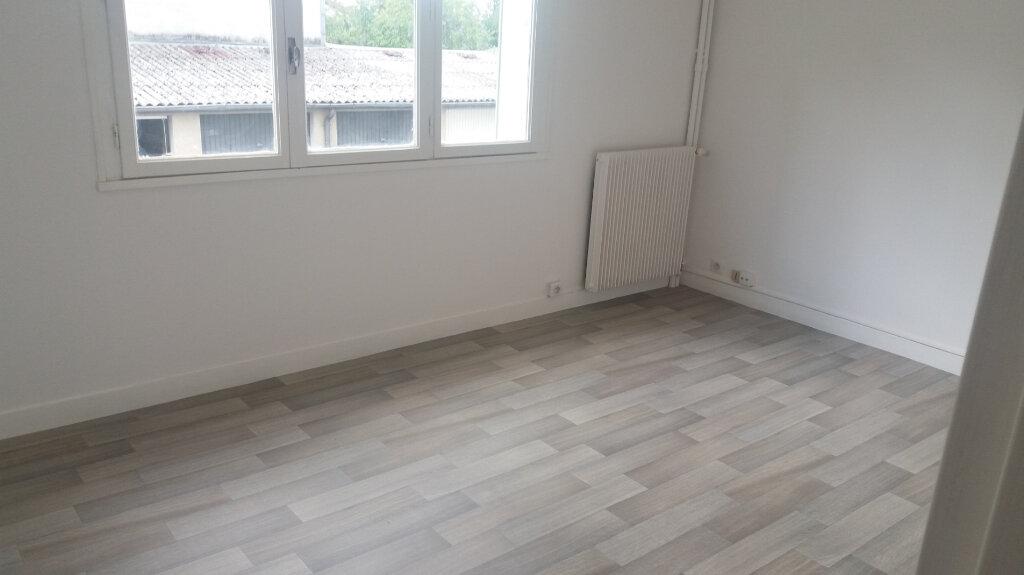 Appartement à louer 1 31.28m2 à Limoges vignette-2