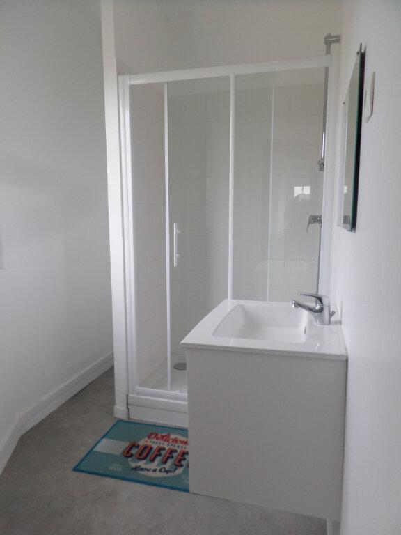 Appartement à louer 3 83.47m2 à Limoges vignette-4
