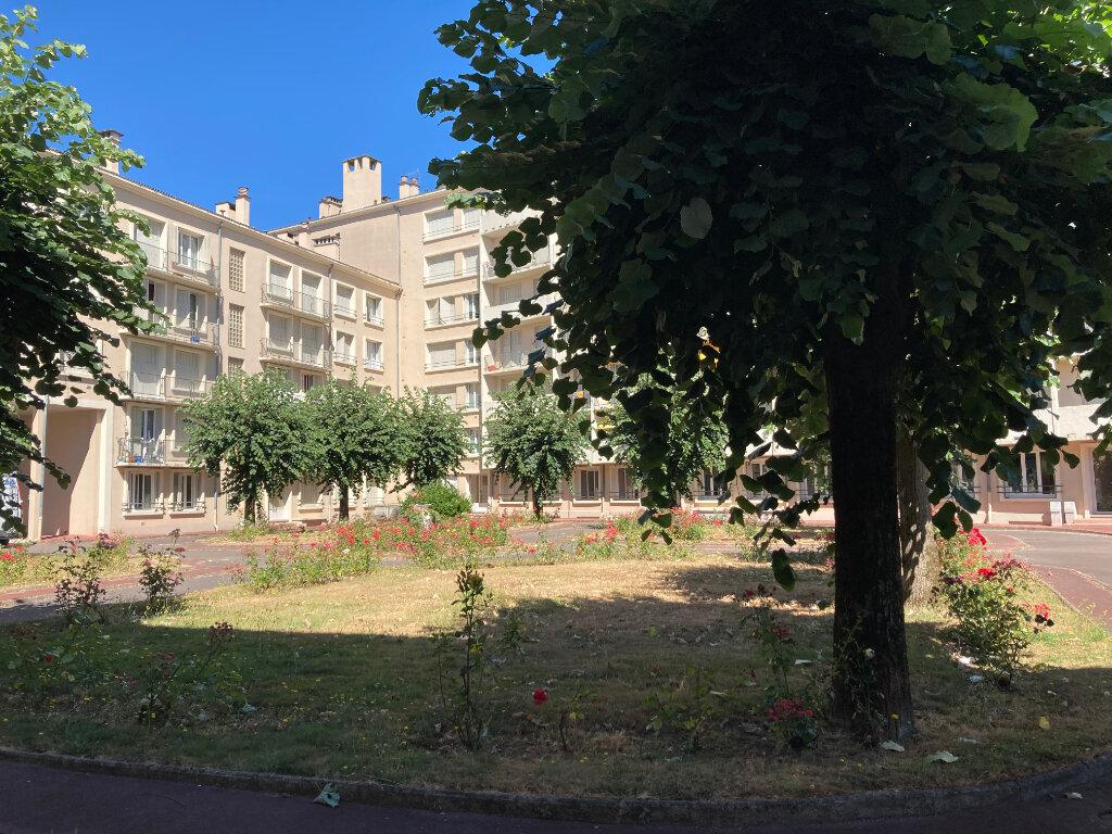 Appartement à louer 1 22.95m2 à Limoges vignette-5