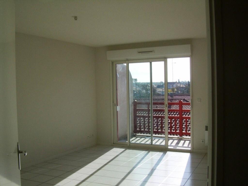 Appartement à louer 3 62.76m2 à Soustons vignette-1