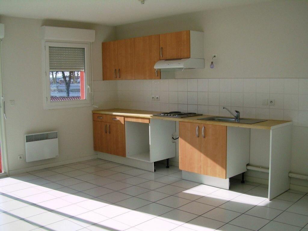 Appartement à louer 3 62.76m2 à Soustons vignette-3