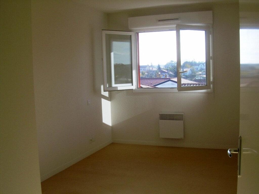 Appartement à louer 3 62.76m2 à Soustons vignette-5