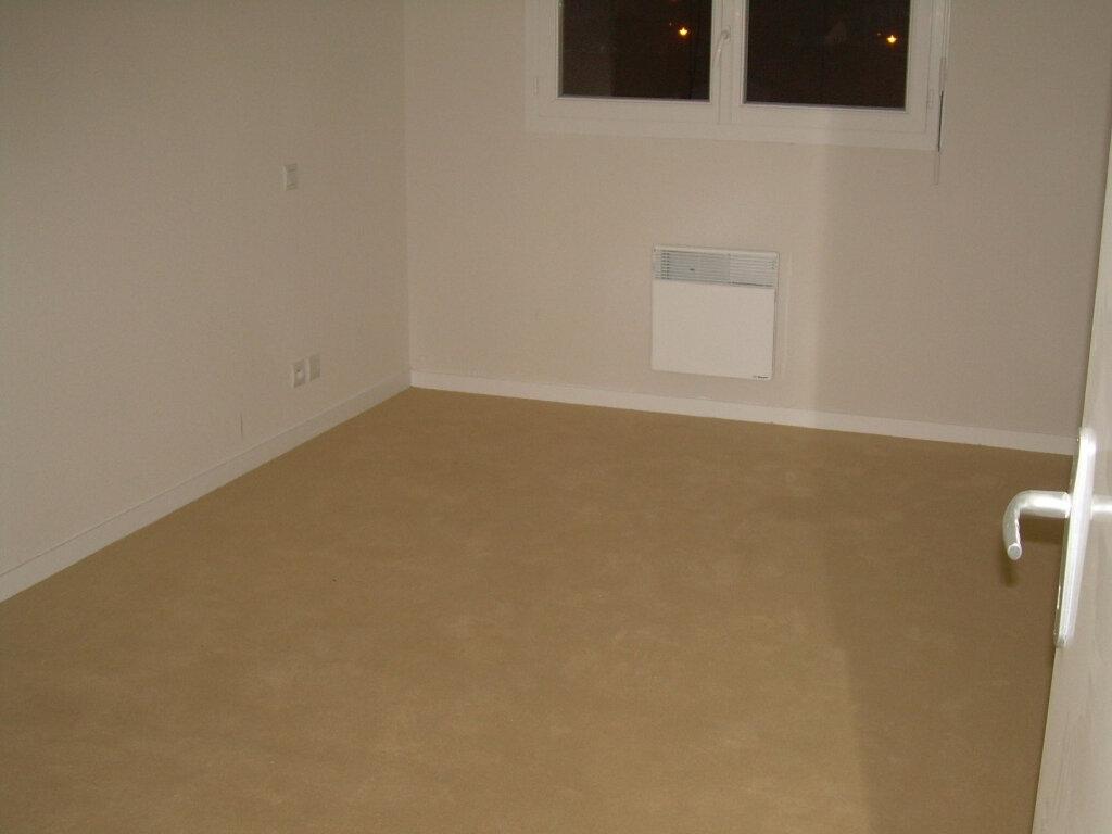 Appartement à louer 3 62.76m2 à Soustons vignette-7
