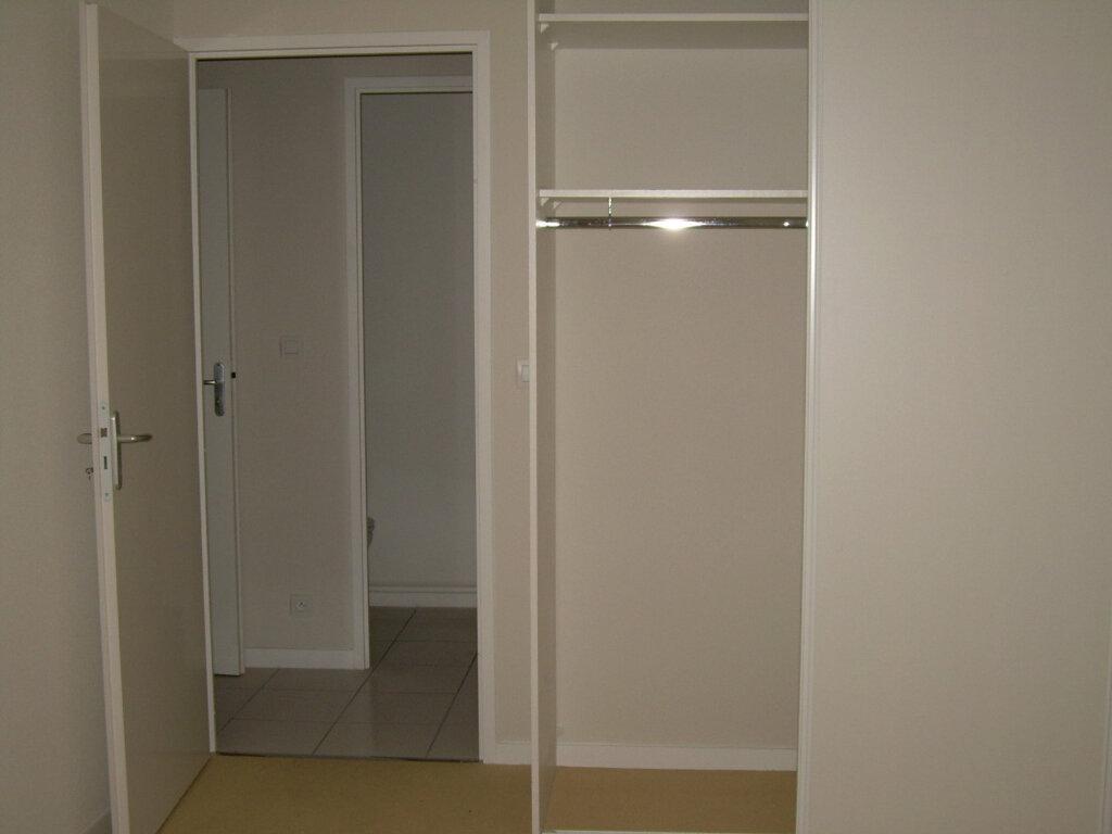 Appartement à louer 3 62.76m2 à Soustons vignette-9