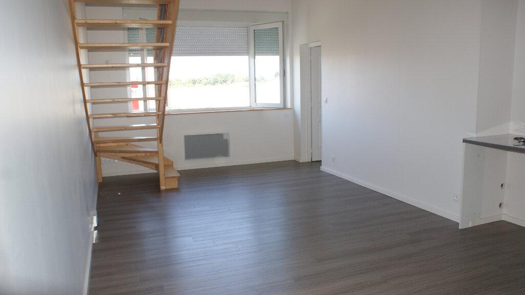 Appartement à louer 3 63.16m2 à Soustons vignette-2