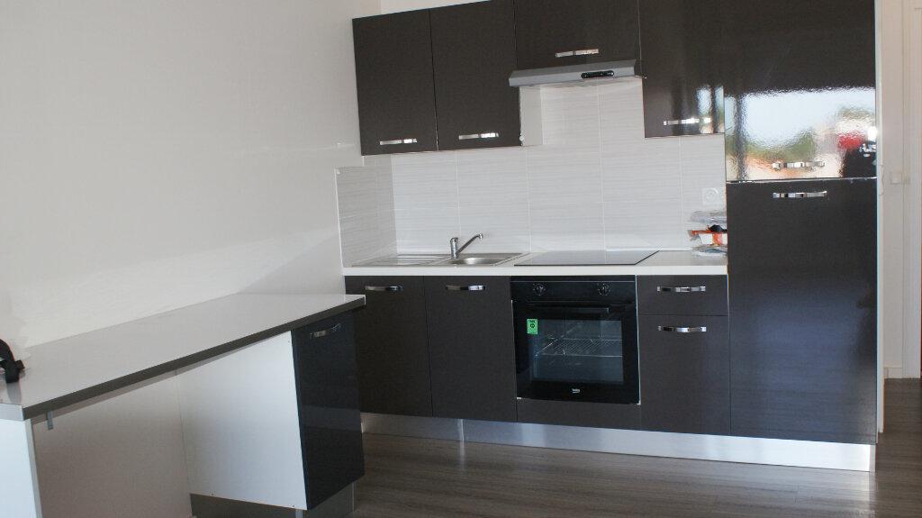 Appartement à louer 3 63.16m2 à Soustons vignette-3