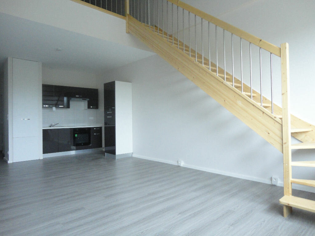 Appartement à louer 2 64.77m2 à Soustons vignette-1
