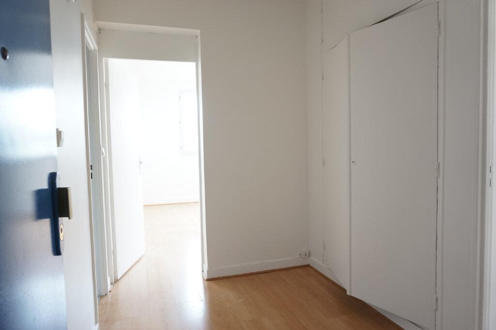 Appartement à louer 3 55m2 à L'Haÿ-les-Roses vignette-9