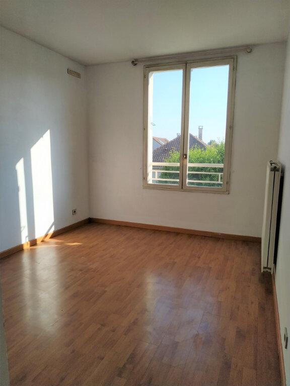 Appartement à louer 4 84m2 à Wissous vignette-5