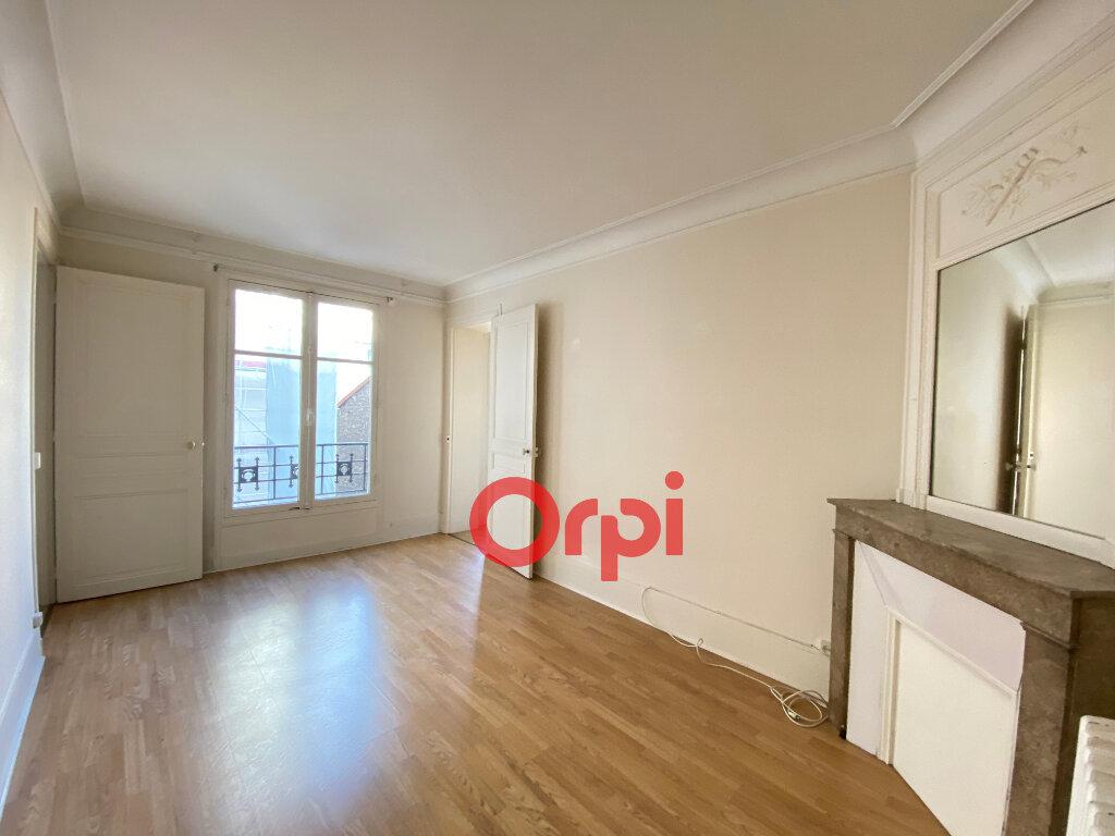 Appartement à vendre 4 72.57m2 à Paris 20 vignette-2