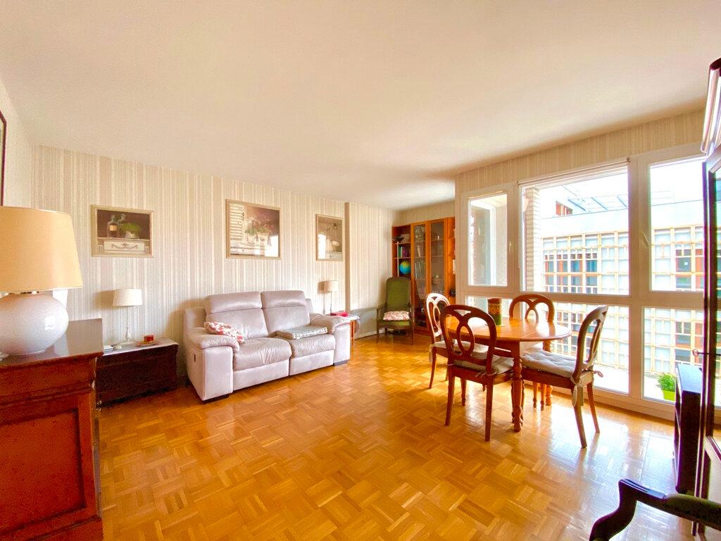 Appartement à vendre 2 49.4m2 à Paris 20 vignette-1
