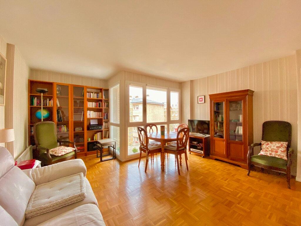 Appartement à vendre 2 49.4m2 à Paris 20 vignette-3