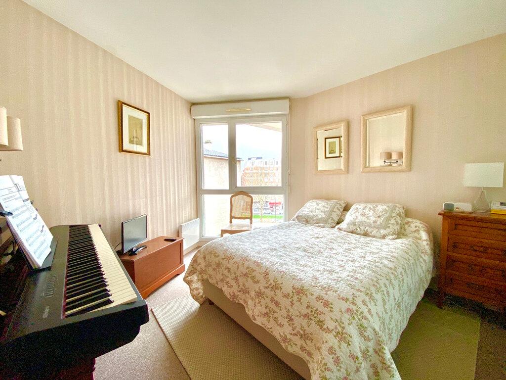 Appartement à vendre 2 49.4m2 à Paris 20 vignette-4