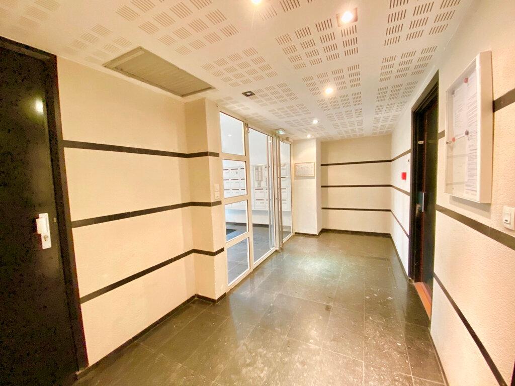 Appartement à vendre 2 49.4m2 à Paris 20 vignette-7