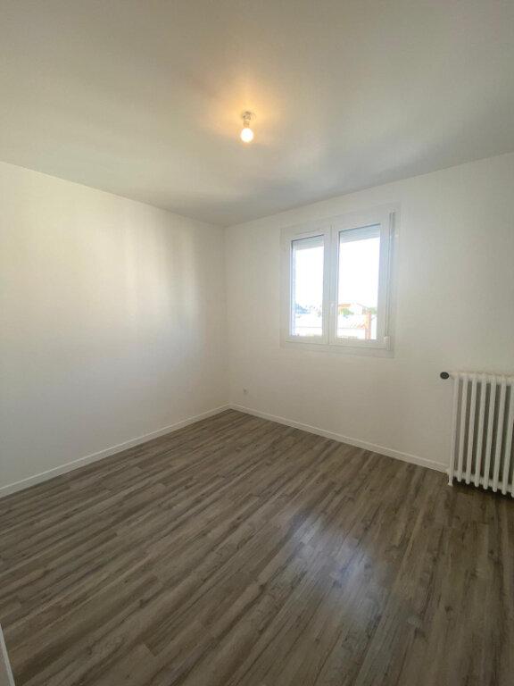 Appartement à louer 3 59.5m2 à Drancy vignette-4