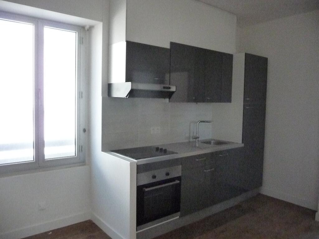 Appartement à louer 3 54.6m2 à Quiberon vignette-3