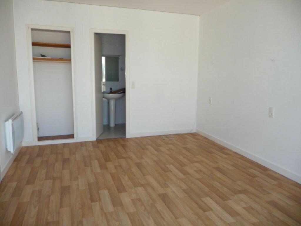 Appartement à louer 1 30m2 à Quiberon vignette-4