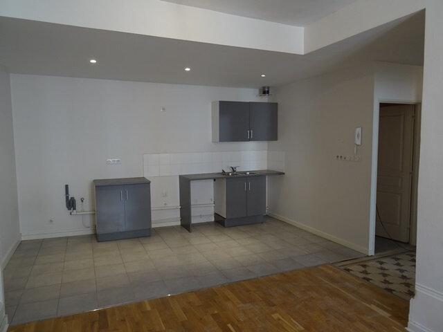 Appartement à louer 3 67m2 à Villefranche-sur-Saône vignette-2