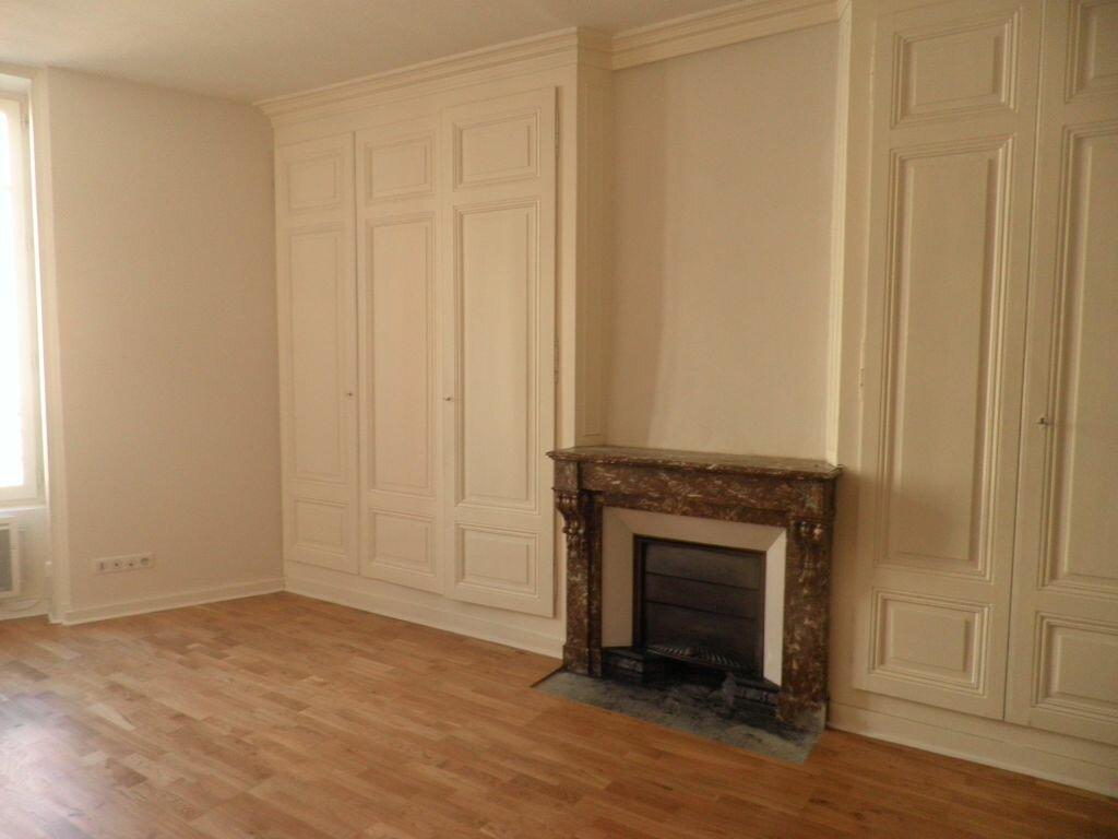 Appartement à louer 3 67m2 à Villefranche-sur-Saône vignette-3