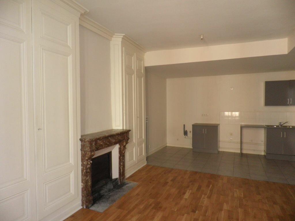 Appartement à louer 3 67m2 à Villefranche-sur-Saône vignette-4