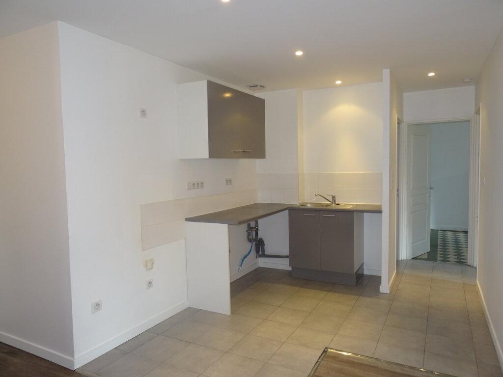 Appartement à louer 3 66m2 à Villefranche-sur-Saône vignette-4