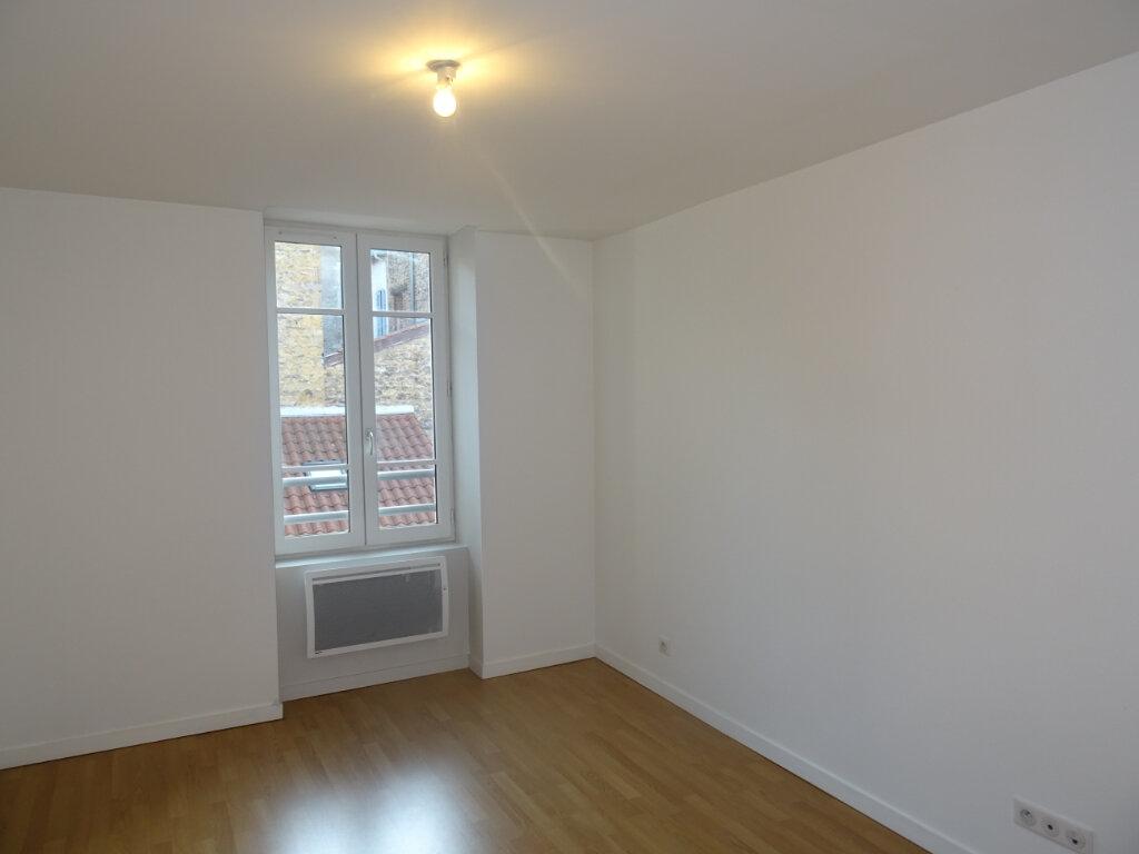 Appartement à louer 3 66m2 à Villefranche-sur-Saône vignette-5