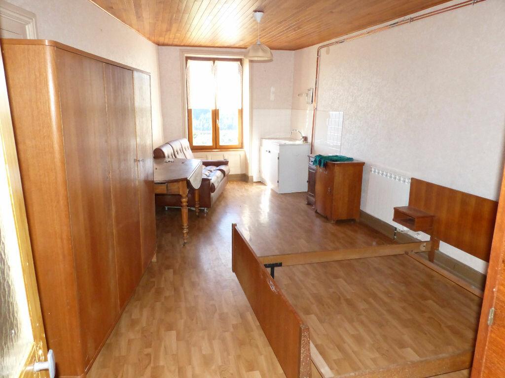 Maison à louer 3 100m2 à Saint-Nizier-d'Azergues vignette-5