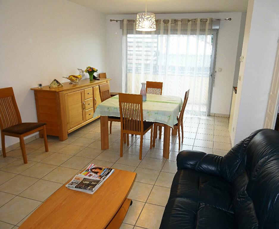 Appartement à louer 3 66.09m2 à Belleville vignette-2