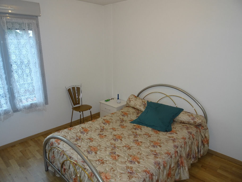 Appartement à louer 3 66.09m2 à Belleville vignette-6