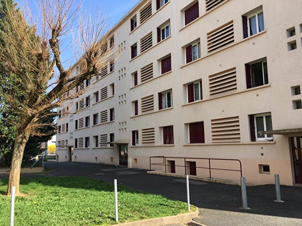 Appartement à louer 3 64.9m2 à Villefranche-sur-Saône vignette-1